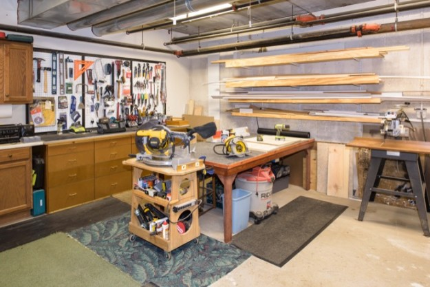 25 Luxury Basement Woodworking Shop | egorlin.com